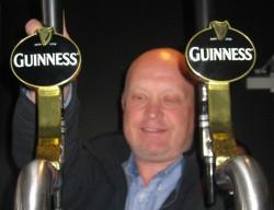 Doug - Guinness pour - 250x200