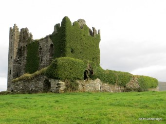 Ring-of-Kerry-2013-154-Ballycarberry-Castle